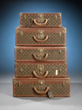 antique-louis-vuitton-trunk-set-1920