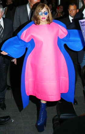 lady-gaga-comme-des-garcons-dress