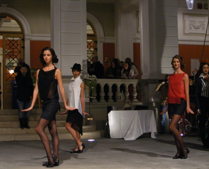 Prezentare de moda - Exodus Reinvented by Adriana Goilav 096fff