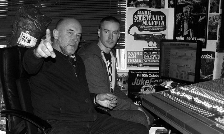 Adrian Sherwood & Rob Ellis în studio